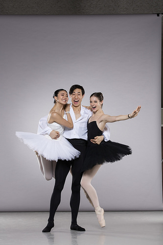 Behind-the-scenes at a Backes & Strauss photoshoot with Shiori Kase, Jinhao Zhang and Laurretta Summerscales © Johan Persson